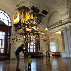Das Museum für Kommunikation in Berlin. Alte und neue Kommunikationsmittel, die man teils auch mit Kindern testen kann. Mehr Infos auf https://mamaskind.de.