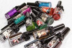 Quem adora esmaltes não cansa de procurar novidades, cores e um jeito novo de pintar e fazer as unhas.