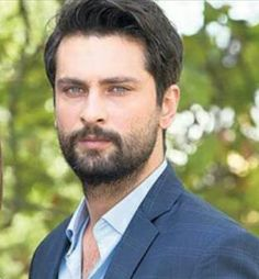 "Onur Tuna ve Rüveyda Öksüz  Milliyet Pazar Röportajı ""Adaletin iki yüzü"" milliyet.com.tr #Cesuryürek 2016 Turkish Men, Turkish Actors, Middle Eastern Men, Beautiful Men, Beautiful Pictures, Mens Glasses, Hair And Beard Styles, Man Photo, Good Looking Men"