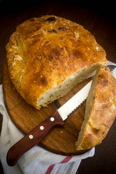 no-knead bread 3 No Knead Bread, Greek Recipes, Pizza, Cheese, Eat, Food, Greek Food Recipes