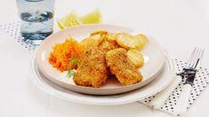 Hjemmelagde fiskepinner m potetskiver Cauliflower, Cookies, Vegetables, Crack Crackers, Cauliflowers, Biscuits, Vegetable Recipes, Cookie Recipes, Cucumber