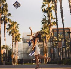 Graduation should be celebrated as the day of success, a long and challenging process. Graduation Picture Poses, College Graduation Pictures, Graduation Photoshoot, Grad Pics, Graduation Ideas, Grad Pictures, Graduation Outfits, Graduation Photography, Blog