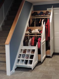 Home Stairs Design, Home Room Design, Home Interior Design, Staircase Storage, Stair Storage, Basement House, House Stairs, Under Stairs Drawers, Garderobe Design