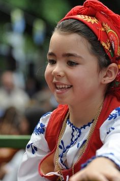 Girl with traditional costume ,Minho , Portugal We Are The World, People Around The World, We The People, Beautiful Children, Beautiful Babies, Beautiful People, Folk Costume, Costumes, Children Photography