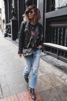 Perfect outfit idea to copy ♥ For more inspiration join our group Amazing Things ♥ You might also like these related products: - Jeans ->. Pretty Outfits, Stylish Outfits, Cute Outfits, Fashion Outfits, Womens Fashion, Look Jean, Jeans Boyfriend, Looks Style, Mode Style