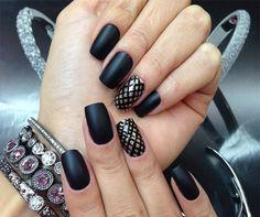 Flat black nail polish i have fell in love with especially if you do a gloss . Great Nails, Love Nails, How To Do Nails, Matte Black Nails, Black Nail Polish, Nail Art Designs, Ongles Forts, Nail Photos, Nail Trends