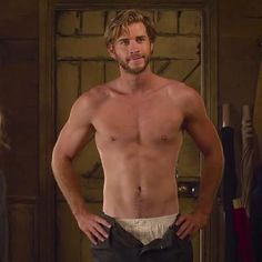 News: Liam Hemsworth 'Didn't Eat for Weeks' to Prep for Shirtless Scene in The Dressmaker
