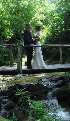 12 Inns that offer elopement packages for $1000 or less. Eloping would be ideal!... Keep this jussst incase!