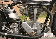 RacingVincent - My Bikes - Picture Gallery Norton Motorcycle, Motorcycle Engine, Norton Manx, Garden Gates, Cafe Racers, Cars And Motorcycles, Bike, Gallery, Pictures