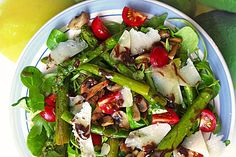 Gemischter grüner Salat mit angebratenem grünen Spargel (Rezept mit Bild) | Chefkoch.de