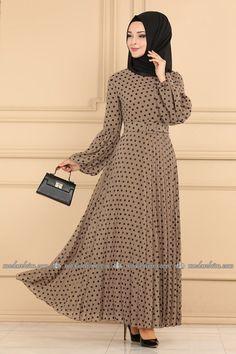 Ucuz Tesettür Giyim - Tesettür Giyim İndirim - Ucuz Tesettür Siteleri Sayfa 6 Trendy Plus Size Dresses, Beautiful Party Dresses, Muslim Fashion, Modest Dresses, Fashion Dresses, High Neck Dress, Satin, Sweaters, Illusion