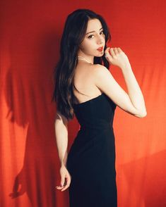 Fashion Cover, Skirt Fashion, Beauty Shoot, China Girl, Chinese Actress, Gal Gadot, Bae Suzy, Dream Dress, Kpop Girls