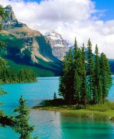 Spirit Island at Maligne Lake in Jasper National Park in Canada