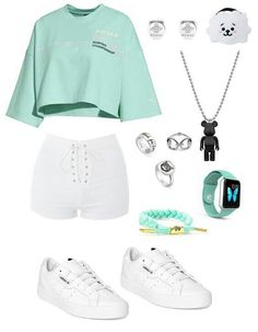 📌 Shorts weiss, Shirt pastell grün oder türkis, Sneaker weiss 📌 shorts white, shirt pastel green or turquoise, sneaker white Teenage Girl Outfits, Tomboy Outfits, Cute Comfy Outfits, Girls Fashion Clothes, Kpop Fashion Outfits, Teenager Outfits, Swag Outfits, Outfits For Teens, Pretty Outfits
