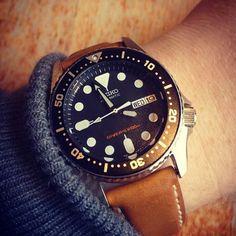# skx013 Seiko Skx, Seiko Watches, Omega Watch, Mens Fashion, Leather, Ideas, Clocks, Accessories, Moda Masculina