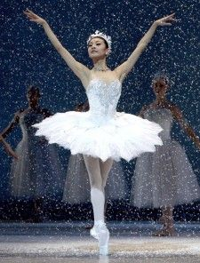 Snow Queen Ballet | Yuan Yuan Tan as the Snow Queen in Helgi Tomasson's Nutcracker