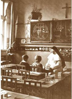 Kleuterschool Sint Imelda aan de Mathenesserdijk Rotterdam (1930).
