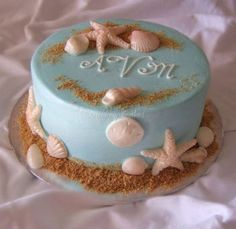 simple beach cake - Gotta love Tiffany blue