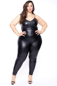 Curvy Outfits, Sexy Outfits, Plus Size Outfits, Looks Plus Size, Plus Size Model, Curvy Women Fashion, Womens Fashion, Steampunk Fashion, Gothic Fashion