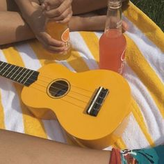 I used to have a yellow ukulele, but it broke :( Aesthetic Colors, Summer Aesthetic, Aesthetic Photo, Aesthetic Pictures, Aesthetic Yellow, Camping Aesthetic, Music Aesthetic, Sun Aesthetic, Photocollage