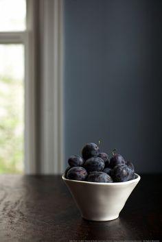 treats from the neighbors by Lara Ferroni,