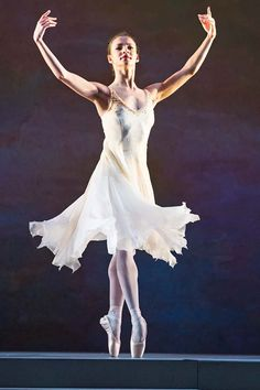 Francesca Hayward: the next great British ballerina? Ballet Barre, Bolshoi Ballet, Ballet Dancers, Contemporary Dance, Modern Dance, Body Painting, Francesca Hayward, Ballet Pictures, Dance Pictures