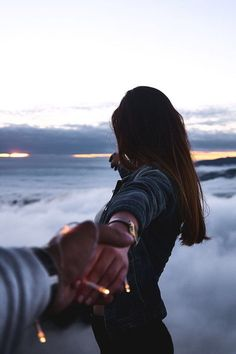 Maintain A Successful Long Distance Relationship is Less Harder If You Understand Your Partner's Attachment Style Relationship Goals Pictures, Cute Relationships, Couple Relationship, Couple Wallpaper Relationships, Photo Couple, Couple Shoot, Couple Photography, Photography Poses, Landscape Photography