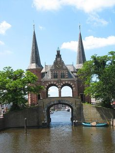 Waterpoort in Sneek, Friesland, Holland.