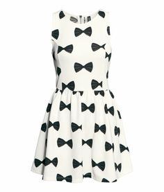 Looks suspiciously like a Kate Spade dress I was drooling over but you can't beat that H&M price tag.