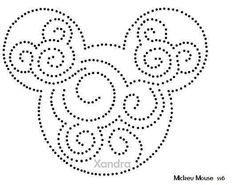 Ideas fails art dots mickey mouse for 2019 Deco Disney, Disney Diy, Disney Crafts, Disney Mickey, Mickey Mouse Quilt, Mickey Mouse Design, Mickey Mouse Stencil, Disney String Art, Nail String Art