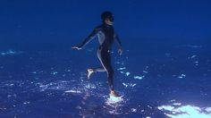 "Freedivers Create ""Walking On Water"" Illusion SUBSCRIBE: http://bit.ly/Oc61Hj We upload a new incredible video every weekday. Subscribe to our YouTube channe..."