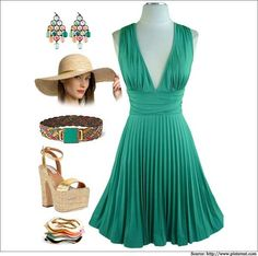 What to Wear At a Beach Wedding | Evening Weddings, Wedding Gowns