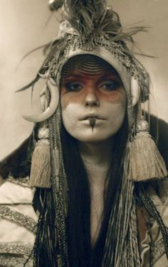 Headpiece & face paint
