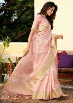 Women's Pink Colored Soft Tissue Zari With Doube Blouse Saree Simple Sarees, Trendy Sarees, Stylish Sarees, Sonakshi Sinha, Designer Saree Blouses, Sarees For Girls, Dress Indian Style, Indian Outfits, Indian Wear