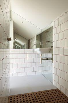 wet room with duck board Wet Room Bathroom, Beach House Bathroom, Upstairs Bathrooms, Bathroom Things, Small Bathrooms, Bespoke Furniture, Furniture Design, Tiny Wet Room, Loft Room