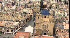 """Vídeo publictari d'Elx baix l'eslògan """"Sumérgete en el Oasis Mediterráneo"""" on es mostren imatges sobre la varietat de racons que te la ciutat. El vídeo esta publicat per la página Oficial Visitelche."""