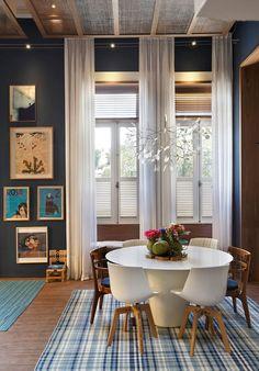 amazing dining room in blue tones
