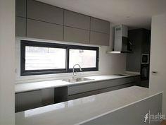 Muebles de Cocina, Walk-in Closet y Baños. Diseñamos, fabricamos e instalamos muebles a medida. Víctor Manuel 1145, Santiago. Fono: 2 5516183