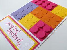 Célébrer l'amour de votre enfant pour «Lego» avec ces amusantes, Lego coloré vos invitations!  Nous avons deux options différentes pour vous d'acheter ces invitations: 1. remplir-in-the-blanc - permet de les personnaliser avec vos propres informations 2. imprimé Party Information - nous pouvons imprimer les informations de fête pour vous!  Une enveloppe blanche est incluse avec chaque invitation. Chaque carte mesure 4 1/4 x 5 1/2 Le prix indiqué est par invitation.  Si vous sou...