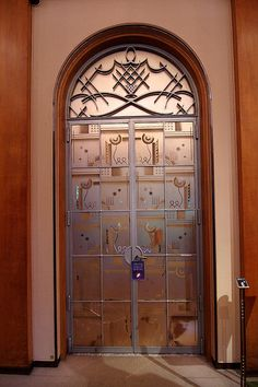 Izamal\u0027s welcoming doors. | #ClubBeach // Club Monaco Beach Shop | Pinterest | Doors & Izamal\u0027s welcoming doors. | #ClubBeach // Club Monaco Beach Shop ...