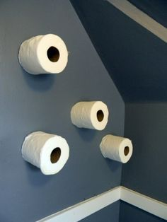 5 different ways to store toilet paper. Great for small spaces and/or guest bathroom! :)