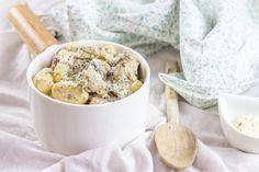 Une recette ultra simple et rapide pour se faire de délicieux gnocchis aux champignons avec une crème au parmesan.