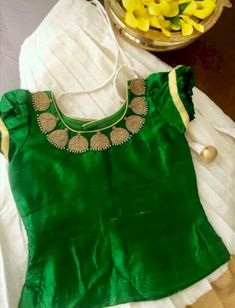 Kids dresses - Aapkabazar - Buy and Sell Kids Dress Wear, Kids Gown, Kids Wear, Baby Girl Party Dresses, Dresses Kids Girl, Baby Dress, Kids Outfits, Kids Blouse Designs, Blouse Neck Designs