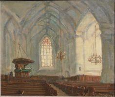 Interieur van de Oude Kerk in Ede. Dit interieur geeft de situatie van na 1917. Toen werd de inrichting gewijzigd, de preekstoel werd verplaatst en het koor bij de kerk getrokken. Misschien is deze nieuwe inrichting de reden geweest om het interieur vast te leggen. Het schilderij zit op een Frans spieraam (Pinel Dupont, standaardmaat 10F  46-55 cm). Ook voor andere schilderijen gebruikt Arnold wel eens Franse waar.