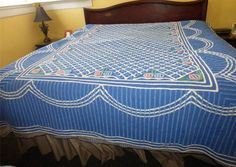 """VINTAGE THICK FLUFFY BLUE & WHITE CHENILLE COTTON BEDSPREAD 100"""" PASTEL FLOWERS"""