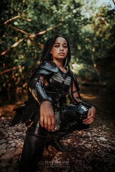 Viking Warrior, Viking Woman, Fantasy Photography, Photography Women, Bustier Court, Female Armor, Leather Armor, Art Poses, Fantasy Warrior