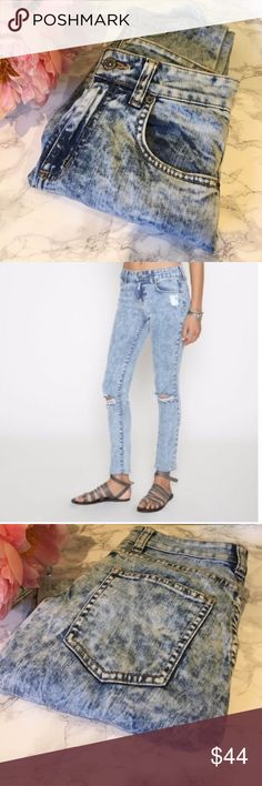 Carmar LF High Waist Distressed Acid Wash Jeans 24 Carmar LF High Waist Distressed Acid Wash Jeans 24  * Fit true to size * In excellent used condition, minimally worn * Open to offers, sorry no trades Carmar Jeans Skinny