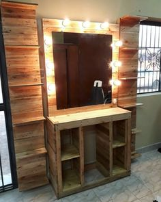 Creative & Cheap Wooden Pallet Projects - 5 Min Ideas Here we have a compilation of all inspiring and mind-tickling projects that will require a few buck Pallet Wall Decor, Wooden Pallet Projects, Diy Pallet Furniture, Wooden Pallets, Pallet Ideas, Pallet Benches, Pallet Walls, Pallet Bar, Outdoor Pallet