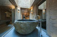 Chalet stone bath http://trendyhomesk.blogspot.sk/2015/03/chalet-po-slovensky-chalupy.html?m=1
