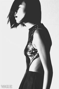 Photographer: MuMu  Model: Joy @ No Ties Management  Hair & Make-up: Amy Bernadette  Designer: Michelle Hébert